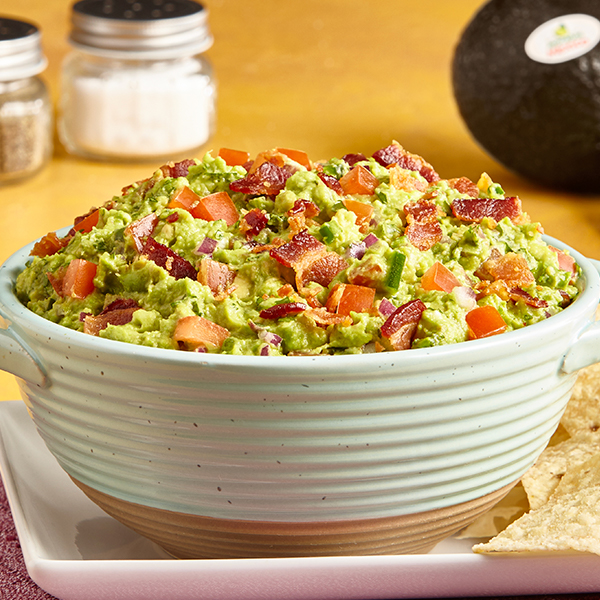 BACON AND TOMATO GUAC